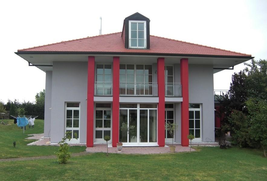 Fassadengestaltung weiß grau  Fassade, Fassadenanstrich, Fassadengestaltung, rot, grün, organge ...